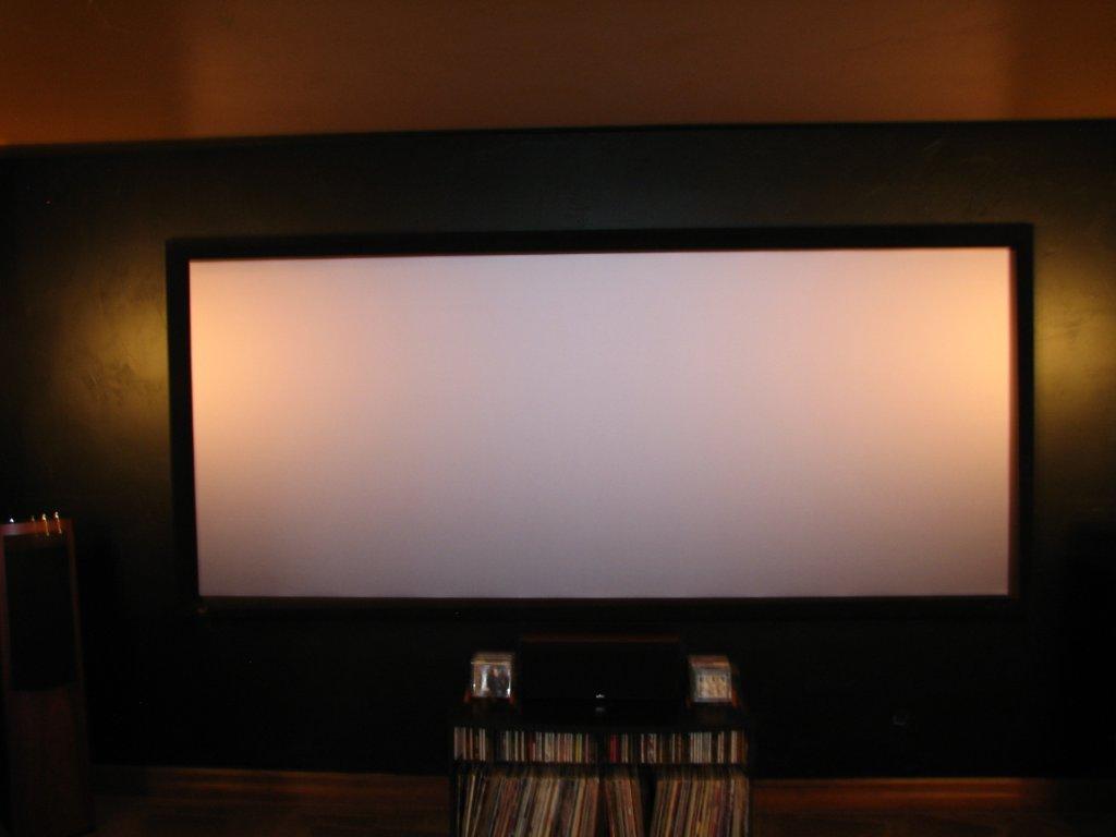 home-theater-basement-flat-screen-02