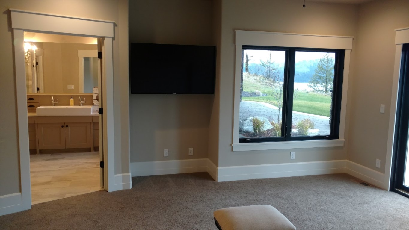 Additional room with just flat panel.